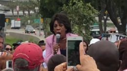Maxine Waters goes off the rails and calls her minions to openly attack Republicans in public. Image credit to US4Trump with screen capture enhancement.